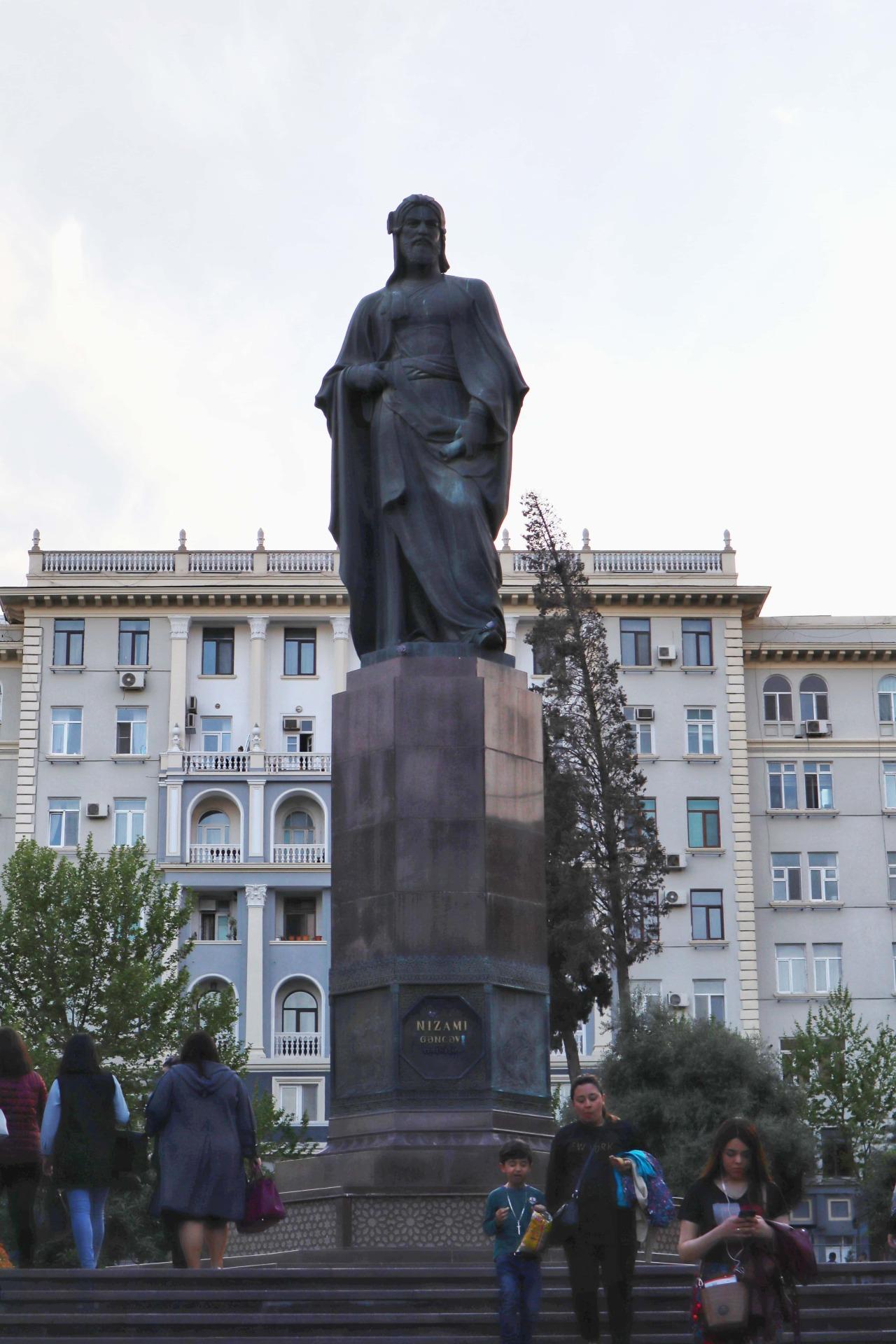 A statue of poet Nizami Ganjavi opposite the museum.