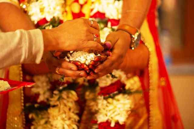 fromthecornertable, from the corner table, bengali wedding, indian wedding Copyright: Abishek Biswas-Reshmi Karar