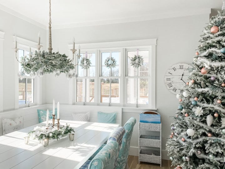 16 Ways to Decorate Your Kitchen for Christmas