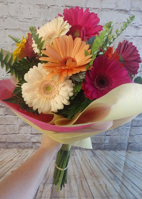 hand tied gerbera daisy bouquet