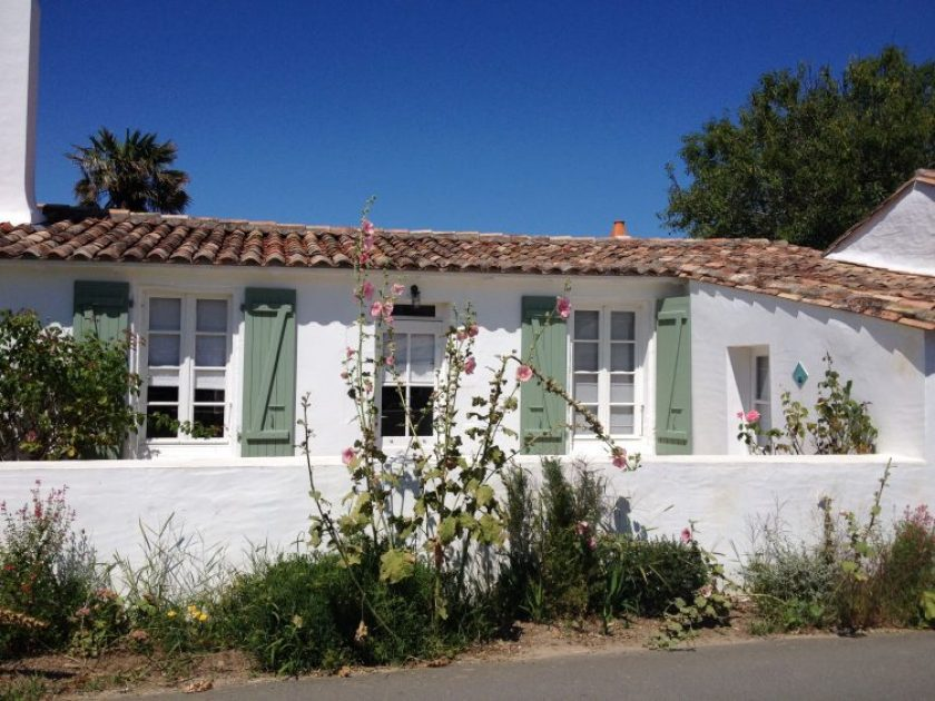 Vacation holiday rentals in Ile de Re, France.