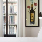 Bonjour tout le monde ! Je suis si contente de revenir sur le blog aujourd'hui avec deux super contenus : 1) mon premier concours et cadeau pour vous (allez en bas du post si vous êtes impatients...) et 2) des photos exclusives du Praktik Vinoteca hotel à Barcelone.