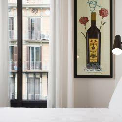 Praktik Vinoteca, boutique hotel, Barcelona, double bedroom, VIA From the Poolside blog on boutique hotels and stylish rentals for family holidays