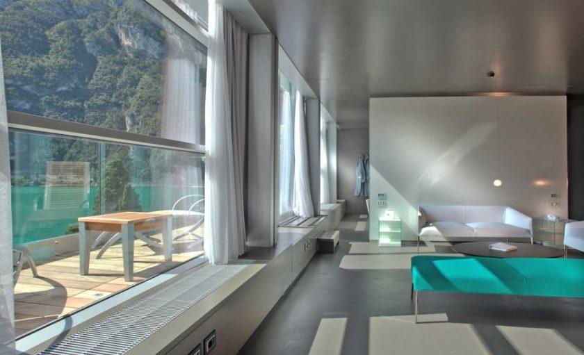 7 romantic hotels in Lake Como or Lake Gardia, Italy - holiday challenge #14 (3/6)