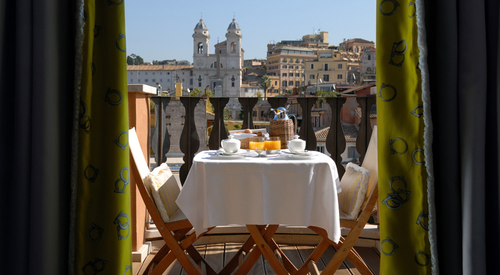 Love month 8 dreamy hotels for a romantic trip to rome for Terrace hotel breakfast