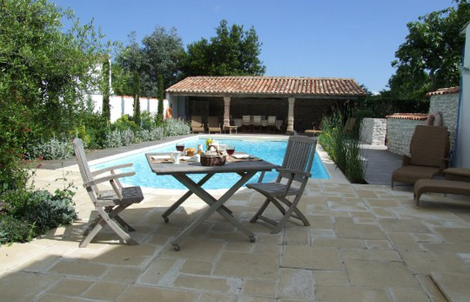 7 Ile de Re cheap hotels and b&b - holiday challenge #16 (4/6)