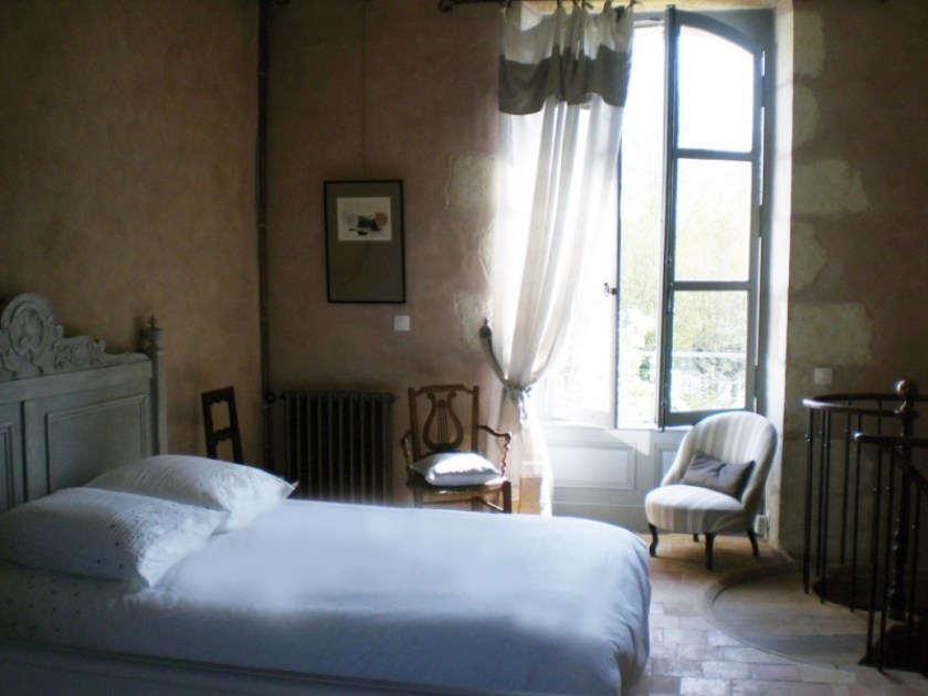 Entre Voir, Bed and breakfast in Le Perche, bedroom.   One of the 6 B&Bs in Perche, France in this post.