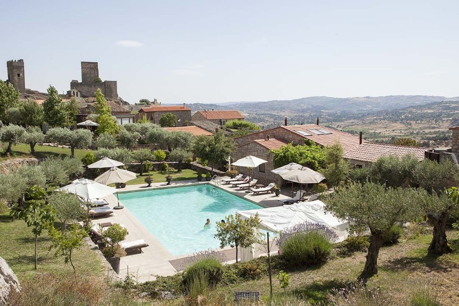 Casas do Coro, Portugal. Hotel and self-catering.