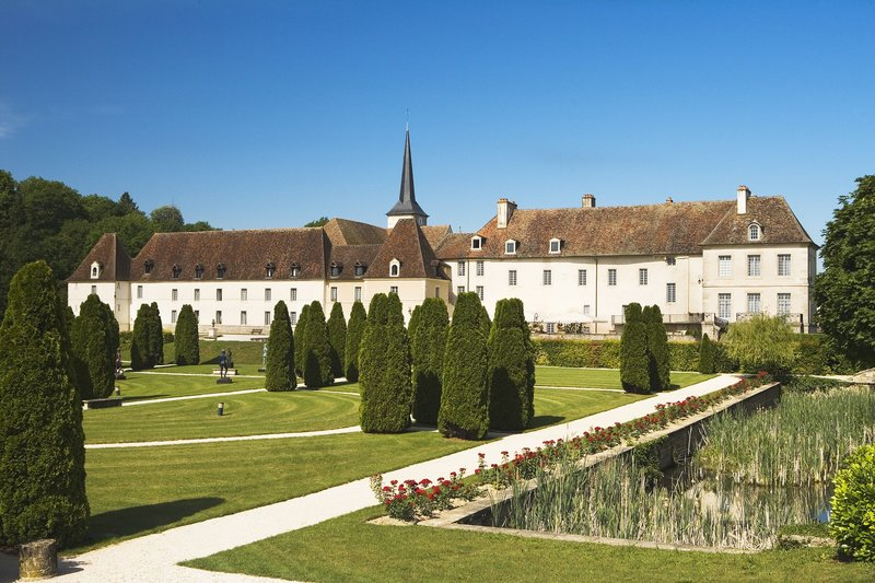Chateau de Gilly, luxury hotel in Burgundy