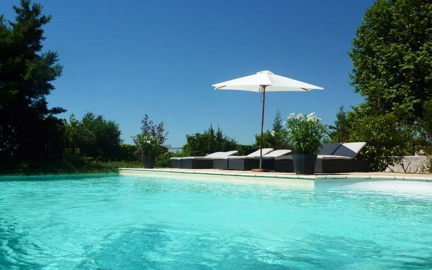 Ermitage de Corton, a hotel in Burgundy with pool and restaurant. Rooms start from 220 Euros