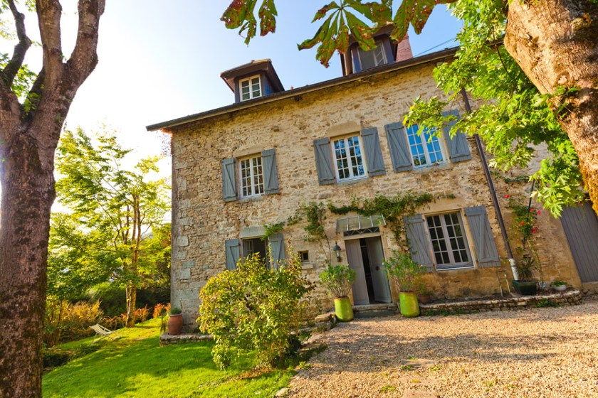 A l'Ombre du Chateau, b&b and a cottage rental in the Doubs, France in the Jura area.