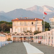 Here is a true beach hotel in Italy with a bit of a Gatsby the Great atmosphere. Located in Forte dei Marmi, on the Tuscany coast, the hotel has 19 bedrooms, all redecorated in white. But more importantly, there is a private beach with immaculate lounges, umbrellas and a restaurant service!