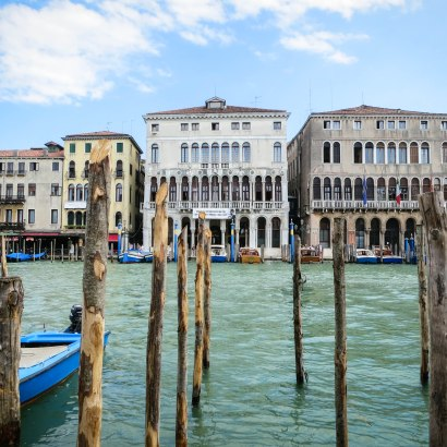 Venice. 6 accommodations that are good for families wanting to travel to Venice with kids.