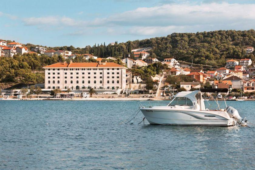 Brown beach hotel finally a boutique hotel in croatia for Boutique hotel croatie