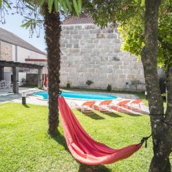 Dona Emilia, a lovely guest house and B&B in Portugal, which can also be rented for a group house. Read the post for more information