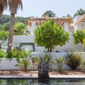 By now, you know that Ibiza is not just a party island but a place where families and laid back couples can also enjoy a fabulous holiday. Pure House Ibiza is a wonderful finca where you can have a more relaxed vibe.