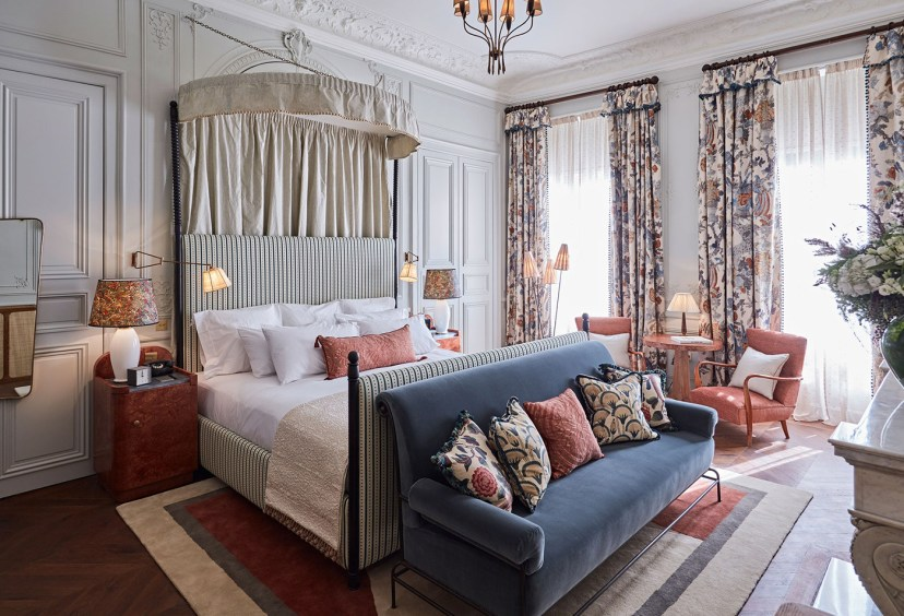 After months of waiting and speculation, Soho House finally opened in Paris this week. It's the first French address of the group, and maybe it took them a long time because the concept of private clubs is not very French.