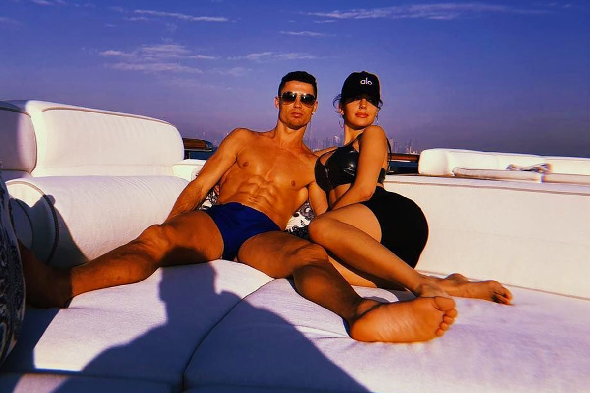 Georgina Rodriguez Relaxes With Her Boyfriend Cristiano Ronaldo On The Yacht Trip In Italy From The Stage