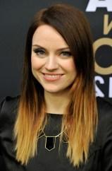 Amy-Macdonald-Trendy-Dip-Dye-Ombre-Hair