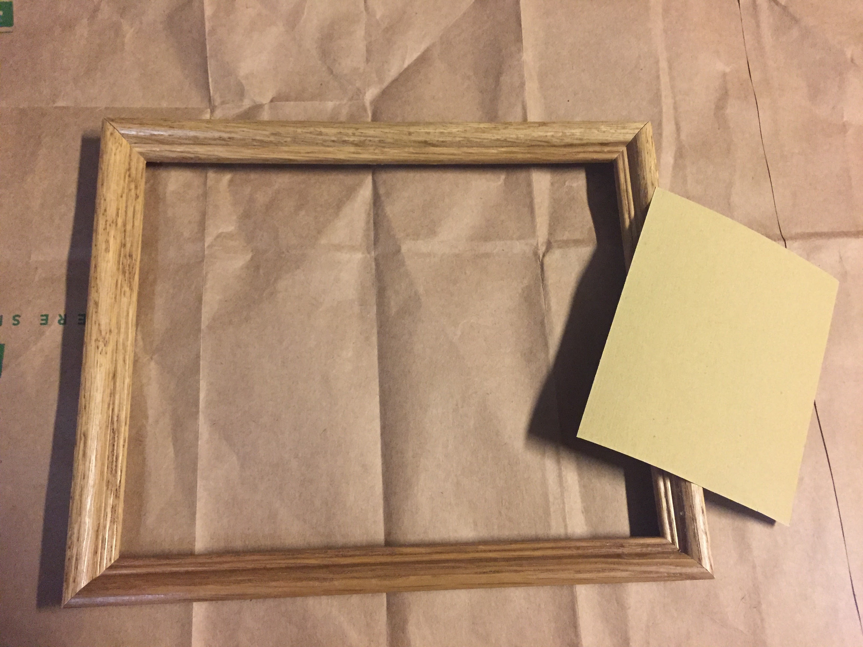 3 Step DIY Distressed Picture Frame | DIY rustic frame | DIY coastal frame | DIY | Vintage | shabby chic | gallery wall | wedding | home decor | project | recycle | reuse | wedding DIY | picture frame | Distressed frame | DIY Distressed frame |