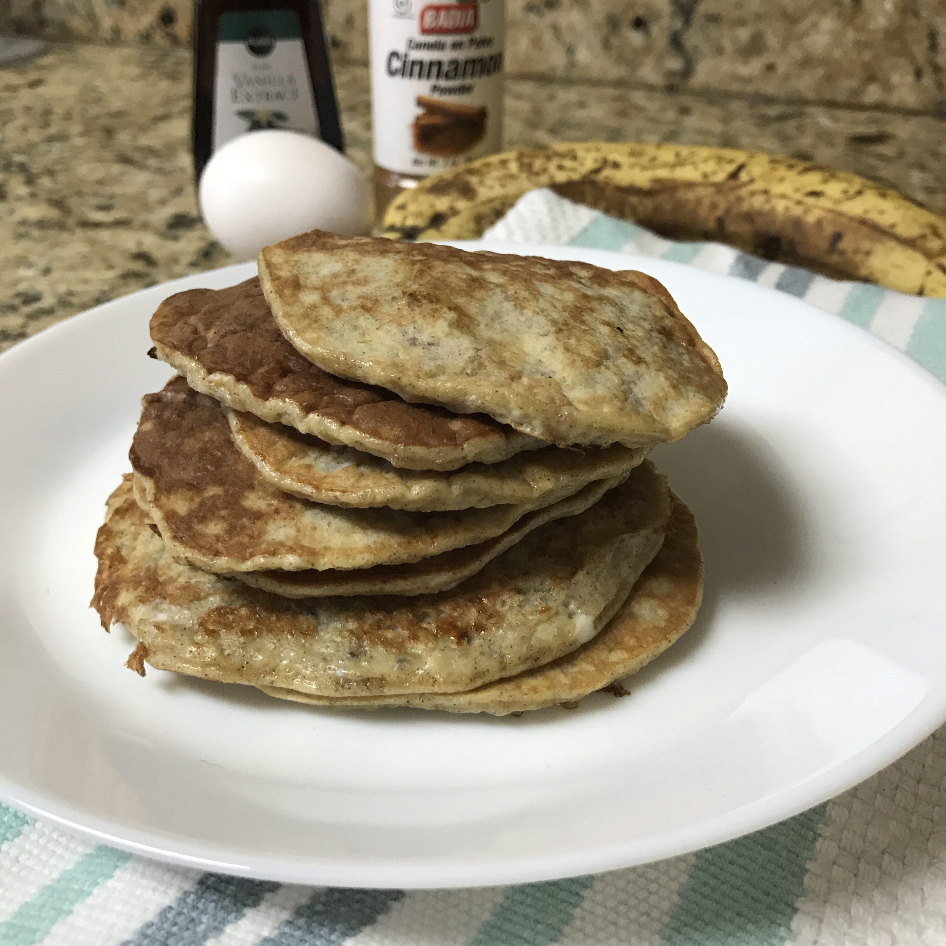 Easy Banana Protein Pancakes