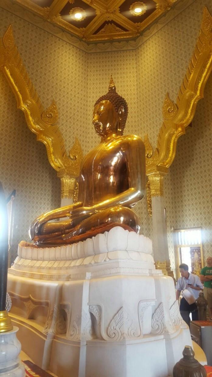 Bangkok, Wat Traimit