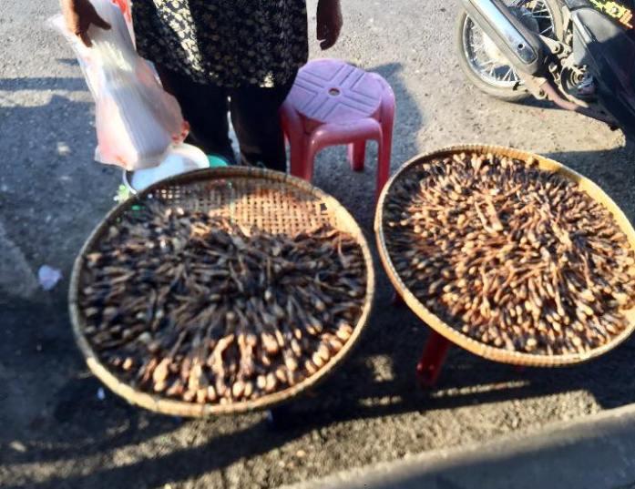 Bangkok, Maeklong Market