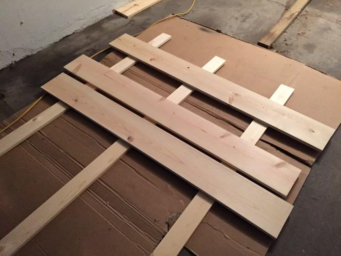 DIY simple wood headboard 1x8x6 pine boards, 1x4x6 pine frame