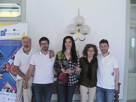 Foto di gruppo del sindaco Sabrina Montali, al centro, con, da sinistra, Giuliano Paccamiccio, Lorenzo Riccetti, Loredana Zoppi e Alessandro Palestrini.