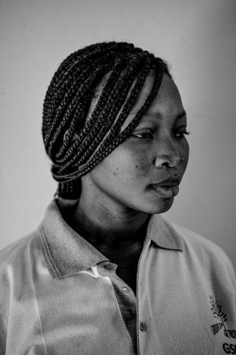Nei pressi di Ouagadougou. Centro di accoglienza di Keego. Miriam, 21 anni, vittima di matrimonio forzato. © Francesco Cocco / Contrasto
