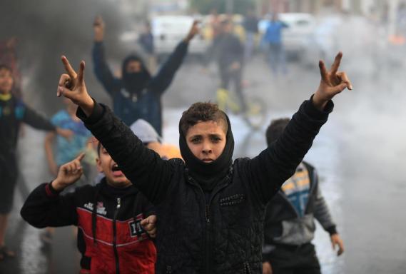 http://i0.wp.com/frontieresblog.files.wordpress.com/2017/12/palestine-enfants-en-colc3a8re.jpg?resize=569%2C384&ssl=1