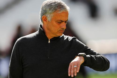 Mourinho blasts referee, VAR after Roma lose derby to Lazio