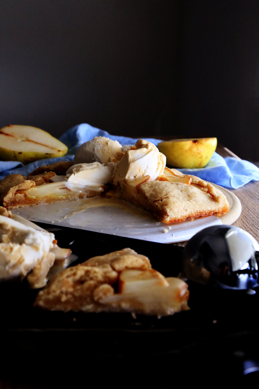 Gluten-free & Vegan pear galette