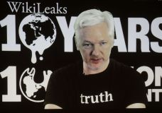 Trump Uses Assange To Cast Doubt On U.S. Intel Case On Hacking
