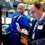Stocks, Bond Yields Drop Washington Tutmoil Rattles Markets