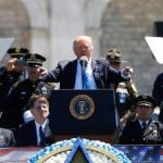 Trump Pays Tribute To Fallen Police Officers