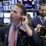 Dow Industrials Drop 400 Points As Market Losses Deepen
