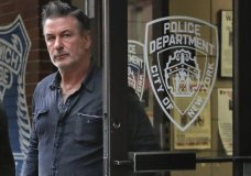 Actor Alec Baldwin walks out of the New York Police Department's 10th Precinct, Friday, Nov. 2, 2018, in New York. Baldwin was arrested Friday after allegedly punching a man in the face during a dispute over a parking spot outside his New York City home, authorities said.(AP Photo/Julie Jacobson)