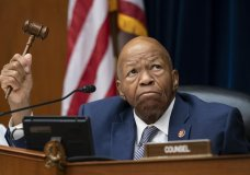 """FILE - In this June 12, 2019 file photo, House Oversight and Reform Committee Chairman Elijah E. Cummings, D-Md., wields his gavel on Capitol Hill in Washington, Wednesday, June 12, 2019. Cummings says in a letter to White House acting chief of staff Mick Mulvaney that he wants all documents """"memorializing communications between President Trump and the leader of any other foreign country"""" that relate to Trump's efforts to pressure the Ukrainian president. (AP Photo/J. Scott Applewhite)"""