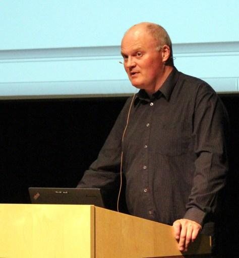 Rådmann Arne Ketil Auran la fram de harde tallfakta