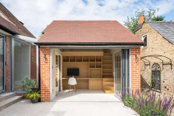 Hare Lane - Converted Outbuilding