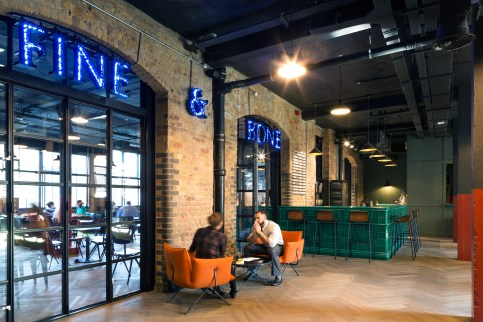 Cafe & Breakout Space