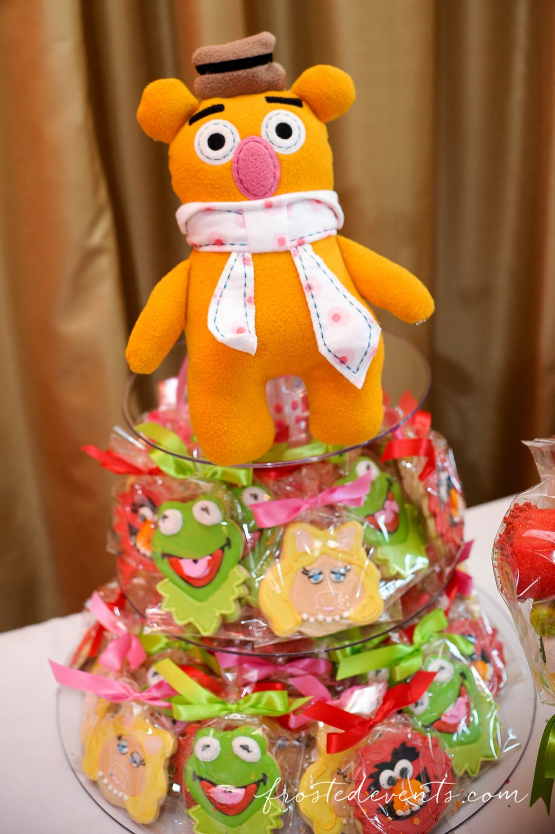 Muppets TV Show- The Muppets Show- Muppets Party Birthday- Muppet party decorations - fonzi bear #muppets