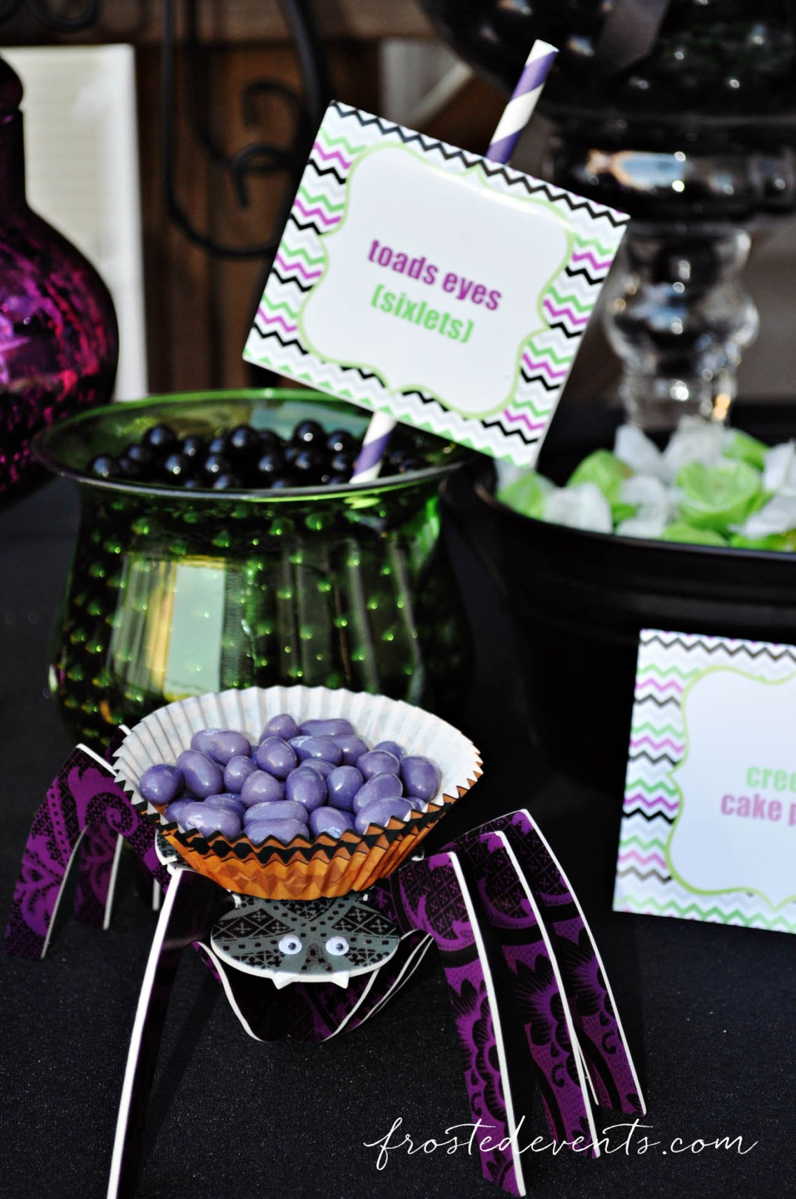 Halloween candy treat ideas! Halloween Party Themes - Monster Mash Fun Halloween Party for Kids Ideas + Halloween Printables