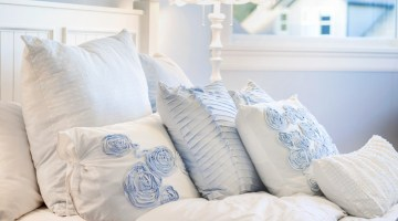 Bedroom Decor Ideas and Inspiration for Decorating Your Bedroom - Home Decor via Misty Nelson, mom blogger frostedMOMS