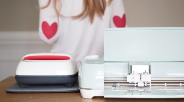 Cricut EasyPress 2 DIY project for Valentine's Day - Heart Elbow patch shirt