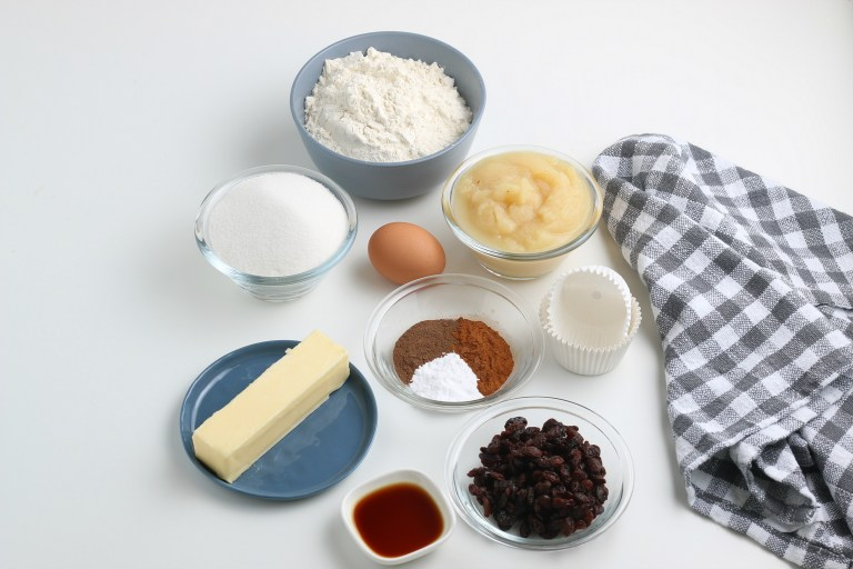 ingredients for applesauce muffins
