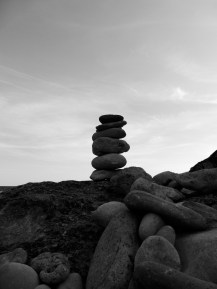 77.monochrome rocks