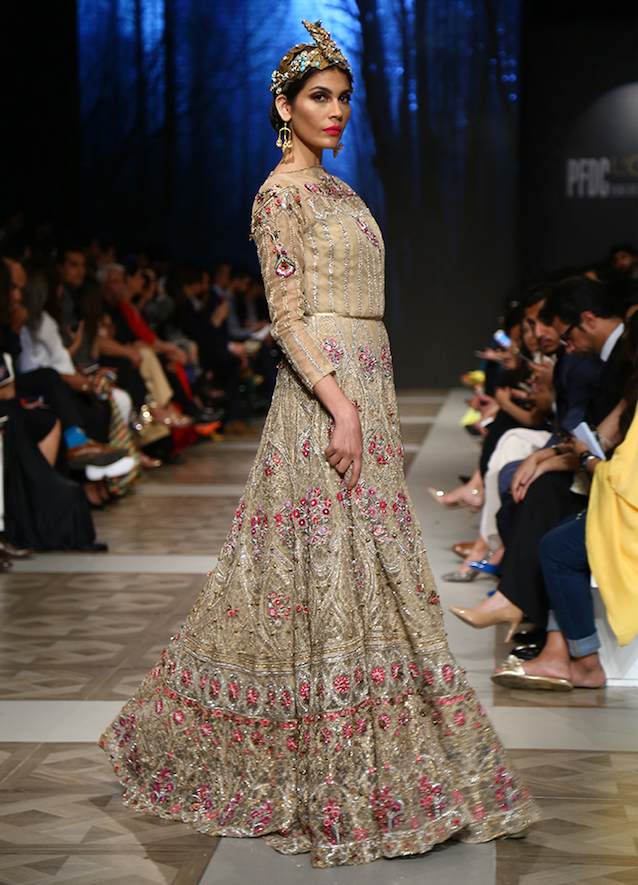 Pakistan Floral Bridal Fashion Outfits