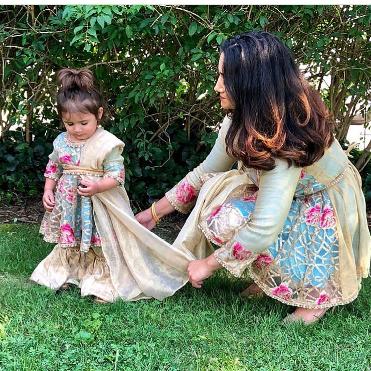 Ayla Noor New York mom me outfit